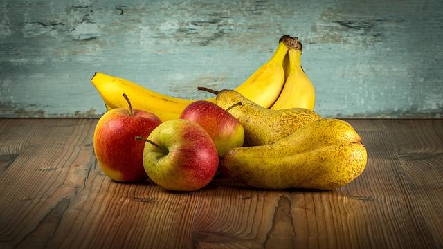 ovoce na zemi