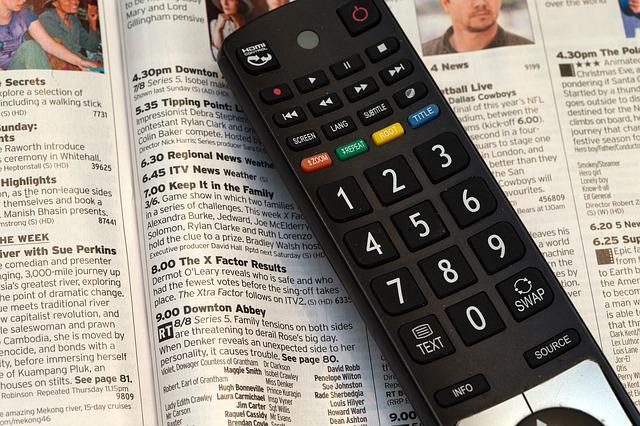 dálkové ovládání a televizní program.jpg