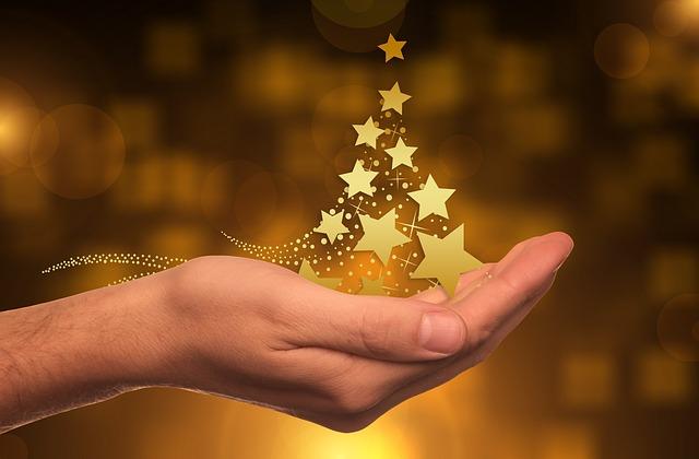 vánoční stromek z hvězd